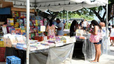 Feira do Livro de Rio das Ostras oferece mais de 3 mil obras por preço popular