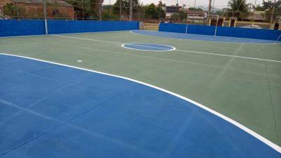 Prefeitura entrega quadra de esporte do Bandeirantes I revitalizada
