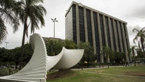 Um corpo é encontrado na sede da Prefeitura do Rio