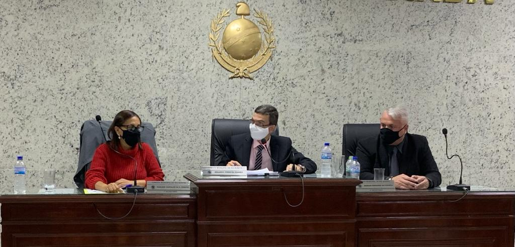 Decisão judicial mantém vereador Eduardo Soares na presidência da Câmara