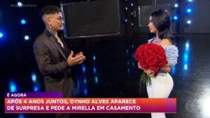 MC Mirella aceita pedido de casamento de Dynho Alves em programa de TV