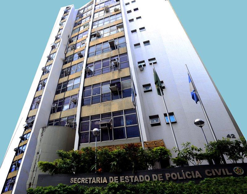 Polícia estoura fábrica clandestina de bebidas na Baixada Fluminense