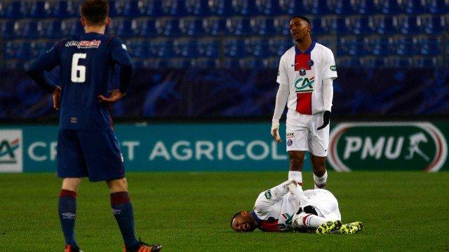 Neymar tem nova lesão pelo PSG e se pronuncia: 'Não sei até quando aguentarei'