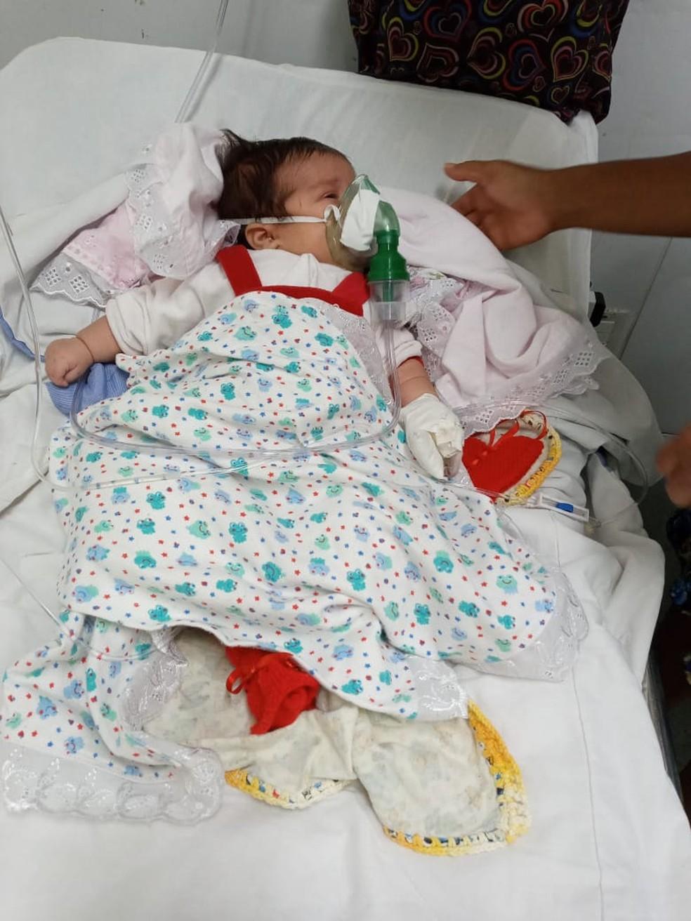 Recém-nascida precisa de vaga em hospital