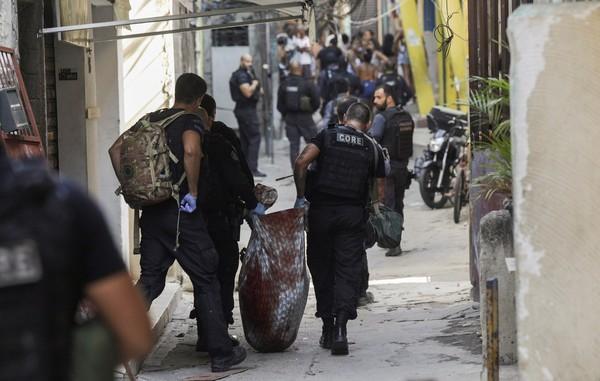 """""""Uma operação com 25 mortos não pode ser considerada eficaz"""" diz defensora pública"""