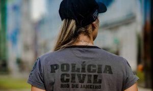 Polícia Civil faz operação nesta manhã (22) contra quadrilha que usava cartões para abastecer bailes no Rio
