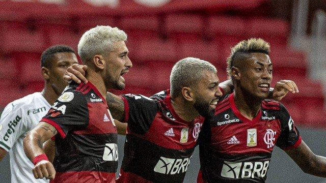 Trio de ataque do Flamengo tem mais da metade dos gols da equipe nos últimos três anos