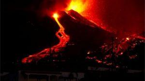 Risco de tsunami no Brasil após vulcão das Ilhas Canárias entrar em erupção é remoto