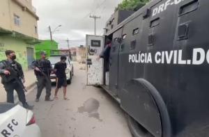 Polícia Civil do Rio e PRF prendem cinco em operação contra quadrilha de roubo de cargas
