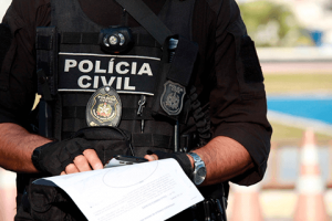 Grupo investigado por marcar encontros sexuais, dopar e extorquir vítimas é preso pela Polícia Civil