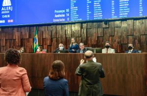 Assembleia Legislativa do Rio aprova projeto de lei que prevê recomposição salarial de servidores do estado