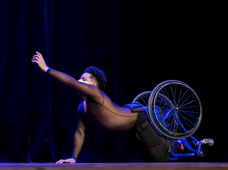 Teatro Municipal de São Gonçalo apresenta espetáculo de dança inclusiva