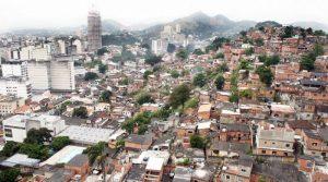 Energia elétrica fica mais barata para moradores do Morro do Estado, em Niterói