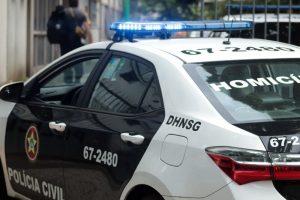 Homem é morto com tiros na cabeça em São Gonçalo, na Região Metropolitana do Rio