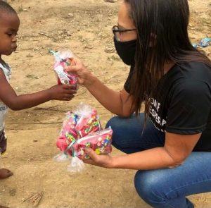 Projeto social que já distribuiu mais de mil cestas básicas em Rio Bonito, agora arrecada brinquedos para doar