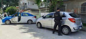 Mulher é morta a tiros na porta de casa, no Coelho, em São Gonçalo, quando saía para trabalhar