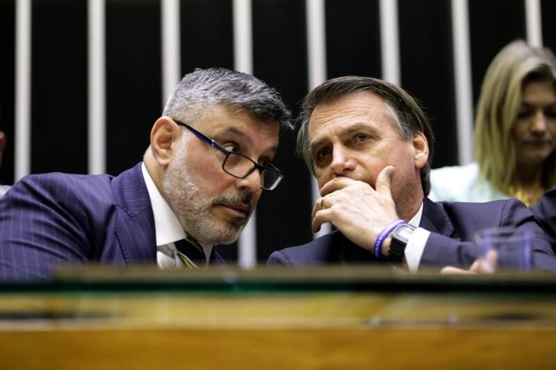 """Alexandre Frota diz que facada em Bolsonaro foi falsa: """"uma farsa com requintes cinematográficos"""""""