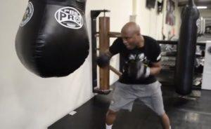 Lutador Anderson Silva, de 46 anos, planeja se aposentar do boxe em 2024