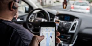 Senado debate projeto para regular pela CLT trabalho de motoristas de aplicativo