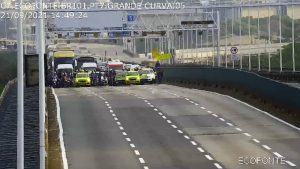 Tempo vira no Rio, e ventania suspende circulação de trens e fecha a Ponte Rio-Niterói