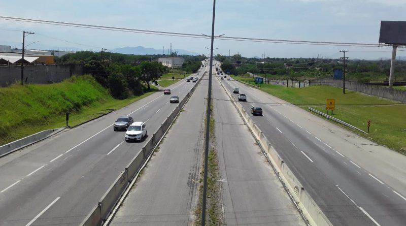 Motociclista é morto durante arrastão organizado por criminosos em Niterói-Manilha