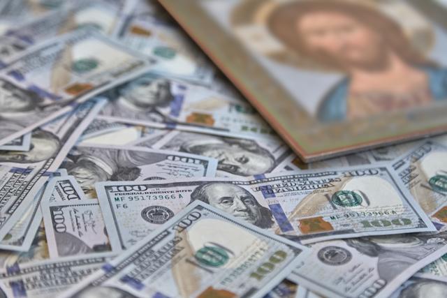 Pastor da Igreja Universal é acusado de embolsar R$30 milhões e fugir
