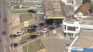 Transportadores de combustíveis decidem suspender greve em Minas Gerais após acordo; abastecimento deve ser normalizado em 24 horas, após caos nos postos