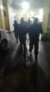 Dois homens são presos suspeitos de matar e degolar um taxista na BR-101, em Quissamã